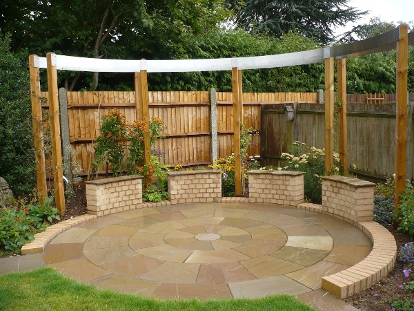 Staggered Garden Wall