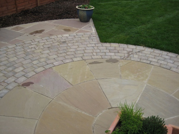 Indian Sandstone & Block Paving Circle