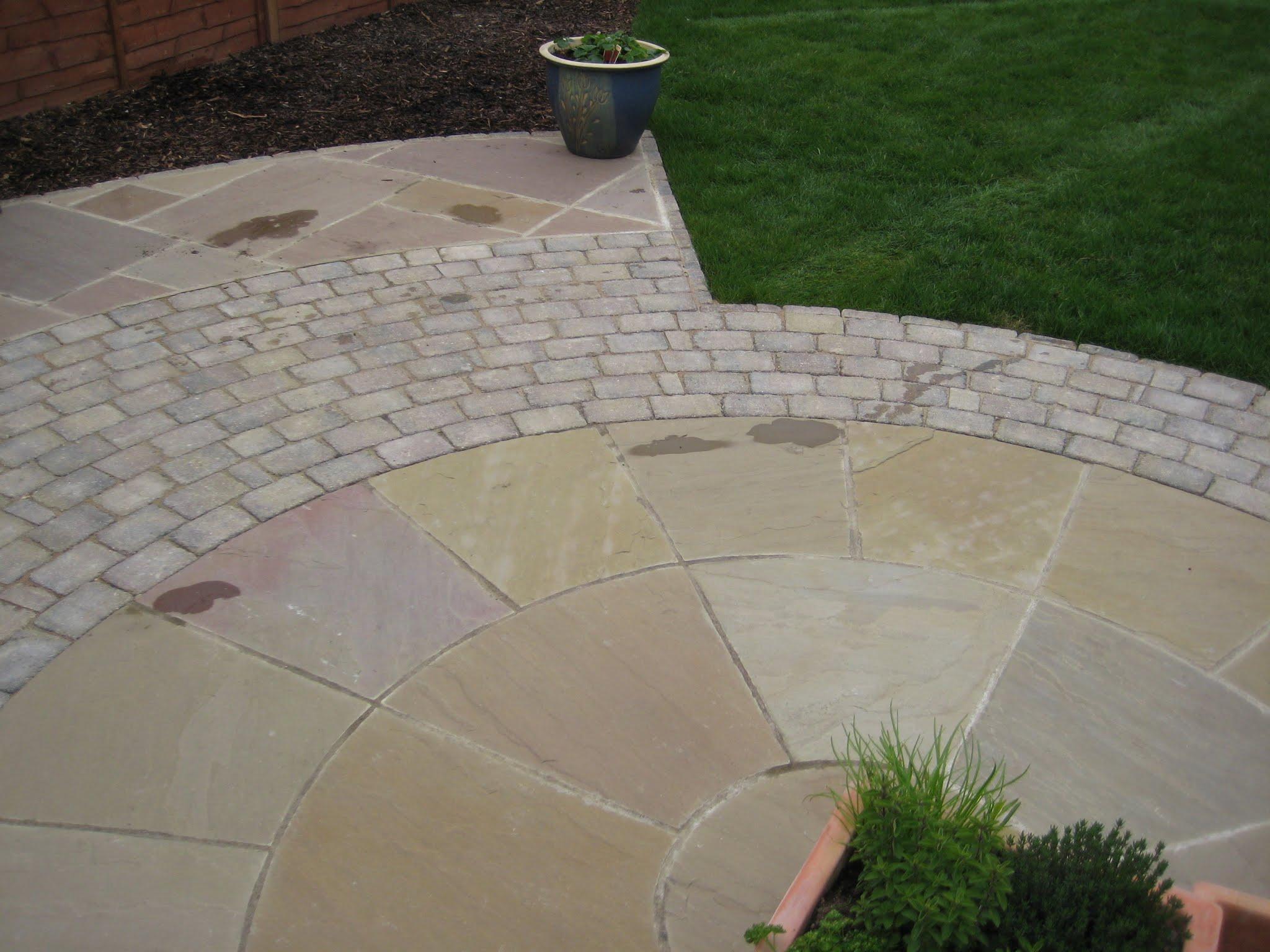 Indian Sandstone & Block Paving Circle